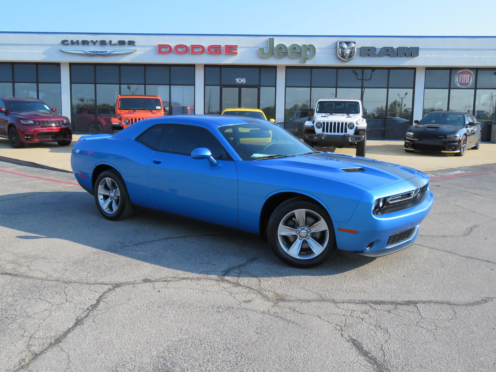 2019 Dodge Challenger >> Certified Pre Owned 2019 Dodge Challenger Sxt Rwd 2d Coupe